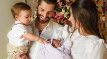 Alok e Romana Novais convidam médicos que fizeram parto de Raika para serem padrinhos dela