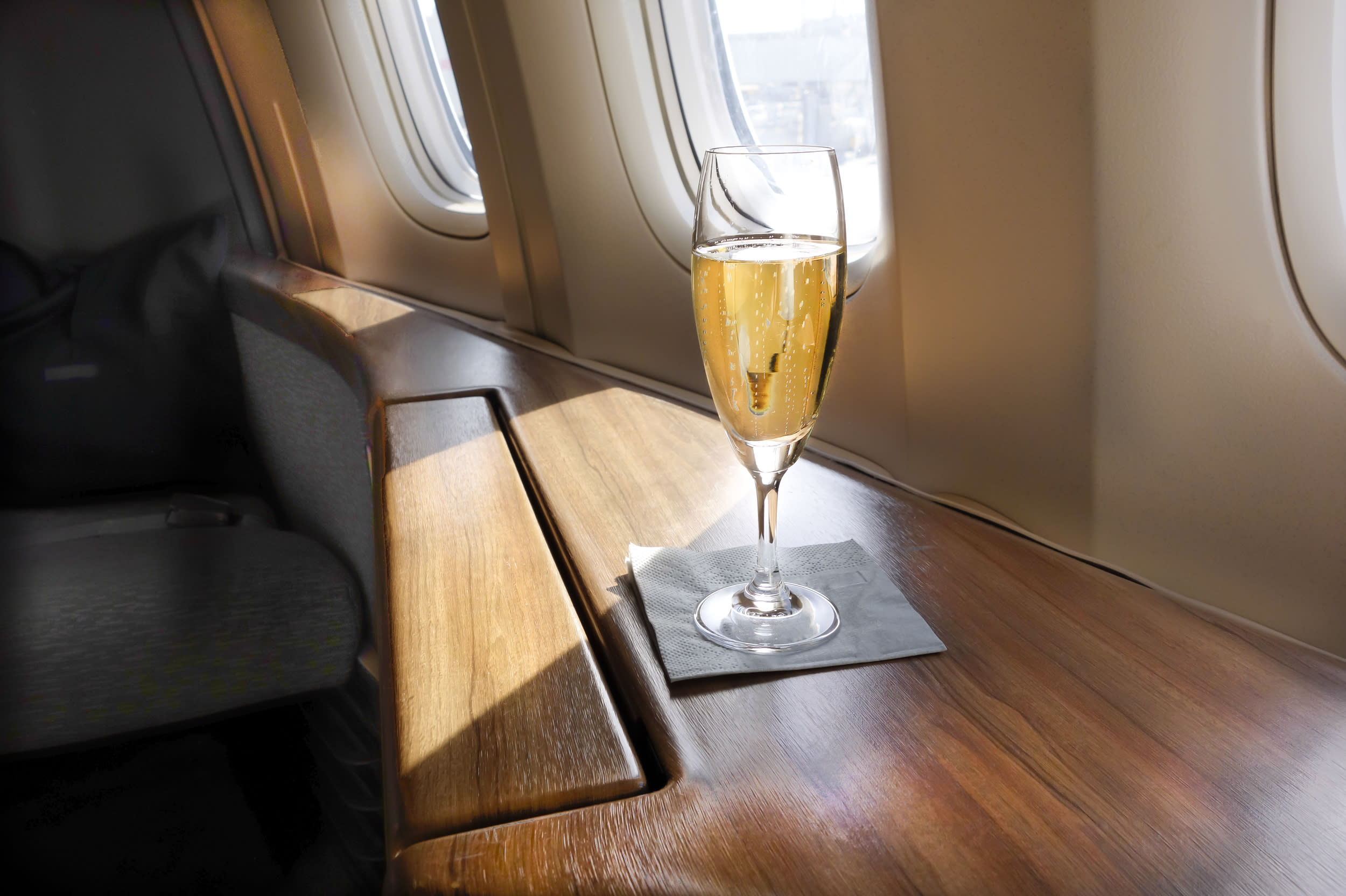 """Thought <a href=""""https://www.aol.co.uk/travel/tag/unruly-passenger/"""" target=""""_blank"""">bad behaviour</a> was only found in economy? We've rounded up the worst first-class flight passengers that will make you think again. From wealthy travellers demanding champagne to thieving flyers selling on the silver cutlery, these are the unruliest first-class passengers ever...."""
