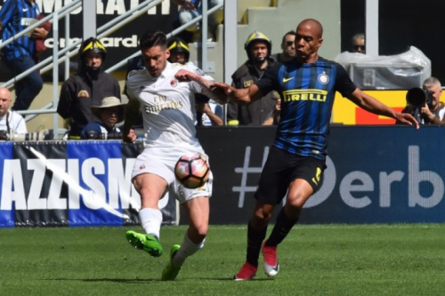 Aos 51, Milan empata derby com gol chorado e anima novos investidores