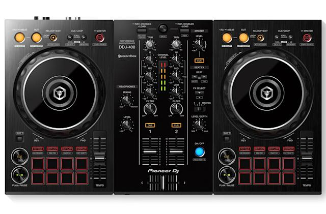 Pioneer's DDJ-400 controller will help you learn booth basics