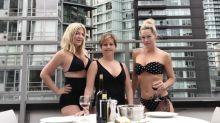 "Chicas de ""90210"" posan en trajes de baño sin Shannen Doherty"