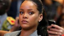 Rihanna processa pai para impedi-lo de usar marca Fenty