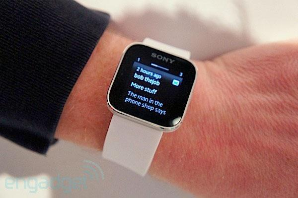 Sony Smartwatch SDK update adds open source music player and puzzle game extensions