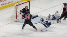 Auston Matthews twists, falls and scores for Leafs (Video)