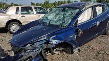 從翻車事件看來 Tesla Model 3 安全性上似乎挺可靠的