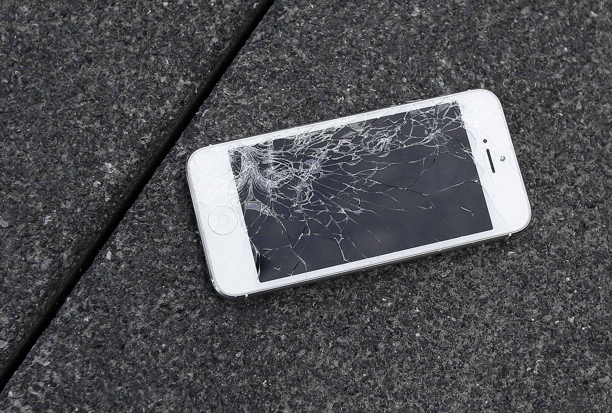 Cracked iPhone screen? You'll have more places to fix it