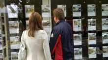 Taylor Wimpey sees slowdown as house buyers wait