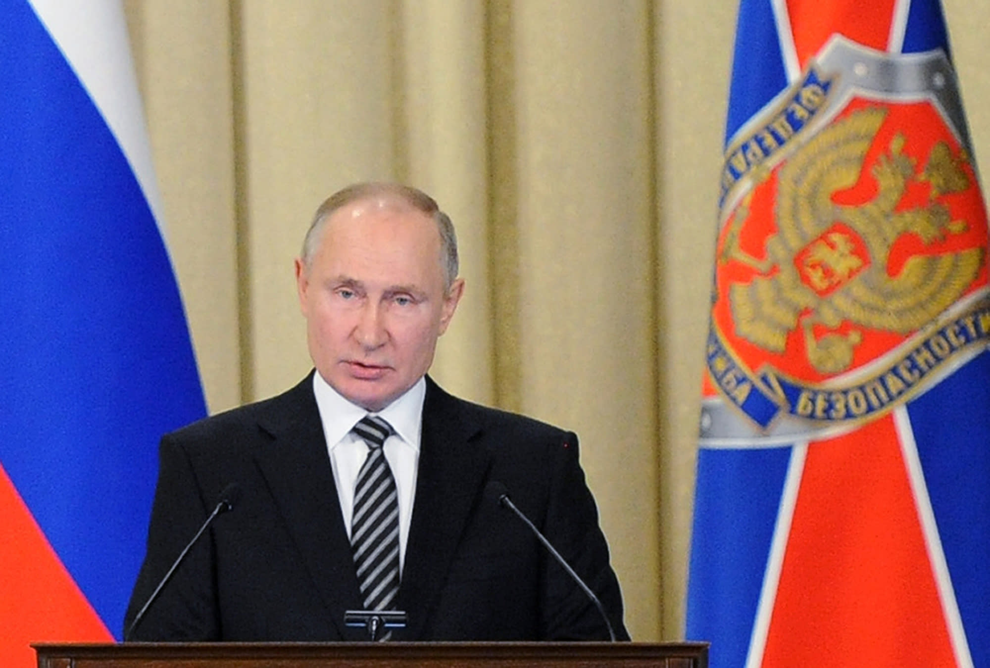 Putin warns of foreign efforts to destabilize Russia