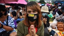 Thai protesters kick off weekend of rallies