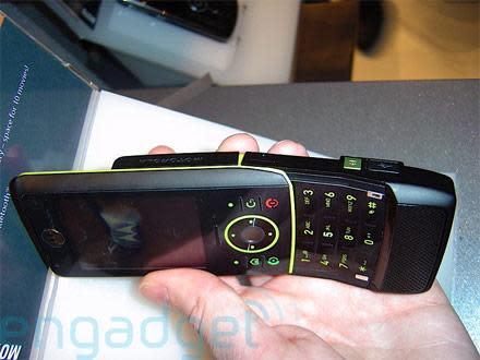 Hands-on with Motorola's MOTORIZR Z8