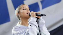 """Ariana Grande Canceled Her Scheduled 'SNL' Appearance for """"Emotional Reasons"""""""