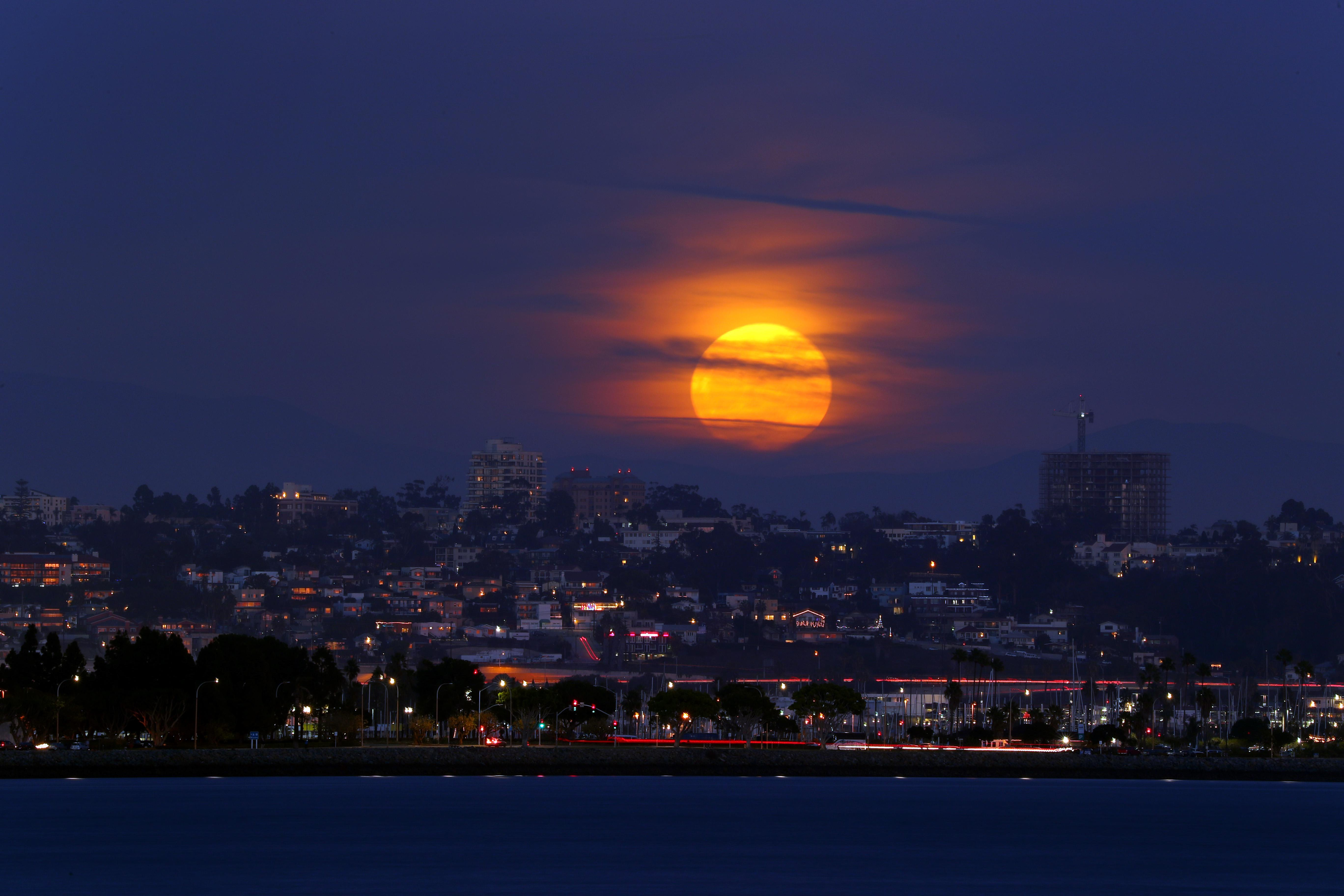 There Will Be a Super Worm Moon on the Spring Equinox. Here's How to See It