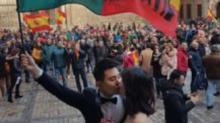 Pareja de asiáticos sorprenden en España por esta foto
