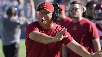 USC's ugly loss isn't good news for Clay Helton