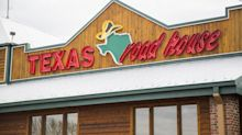 Executive compensation sank at Texas Roadhouse in 2018