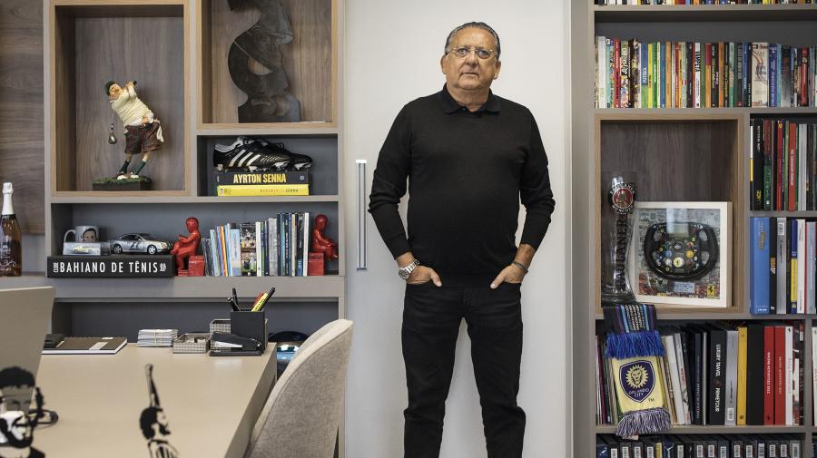 Galvão Bueno curte festa da firma: 'A Globo enlouqueceu'