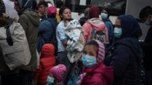 Ribuan pengungsi terancam jadi tunawisma sebagai akibat upaya relokasi pengungsi di Yunani