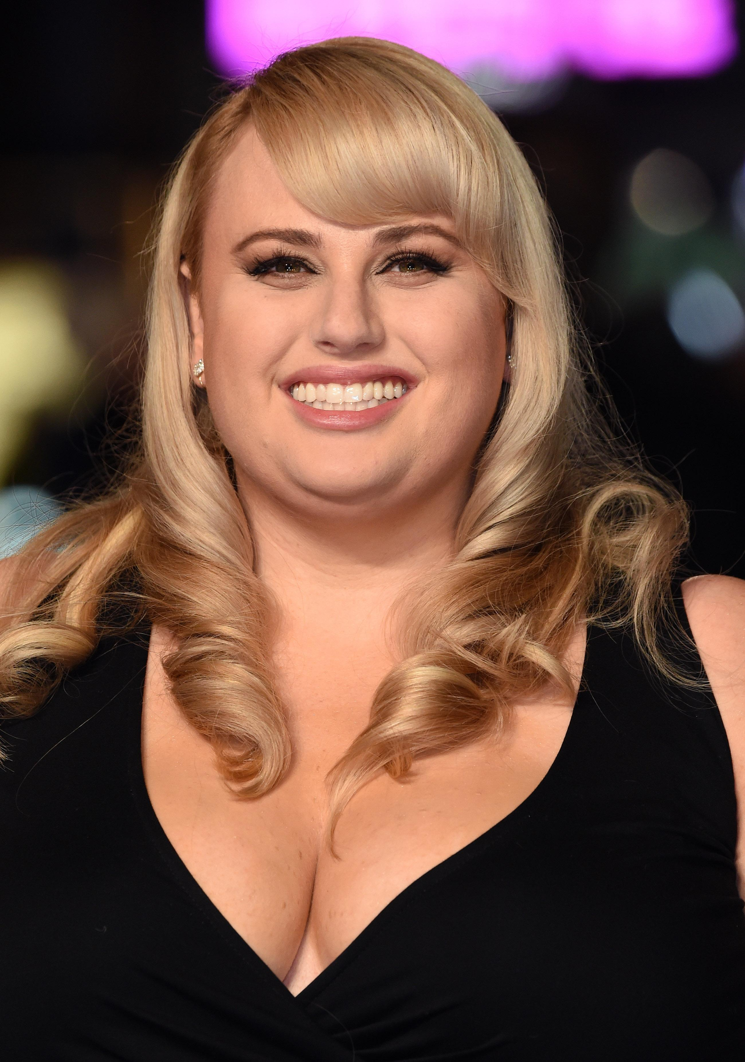 "U Uu 2017 >> Rebel Wilson On Lying About Her Age: ""Most Actresses Do That!"""