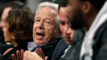 Judge temporarily blocks release of Kraft tape