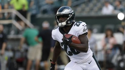 Week 4 adds: Smallwood, Shepard highlight pickups
