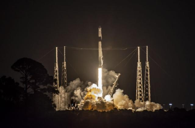 SpaceX launches its original Dragon capsule for the last time