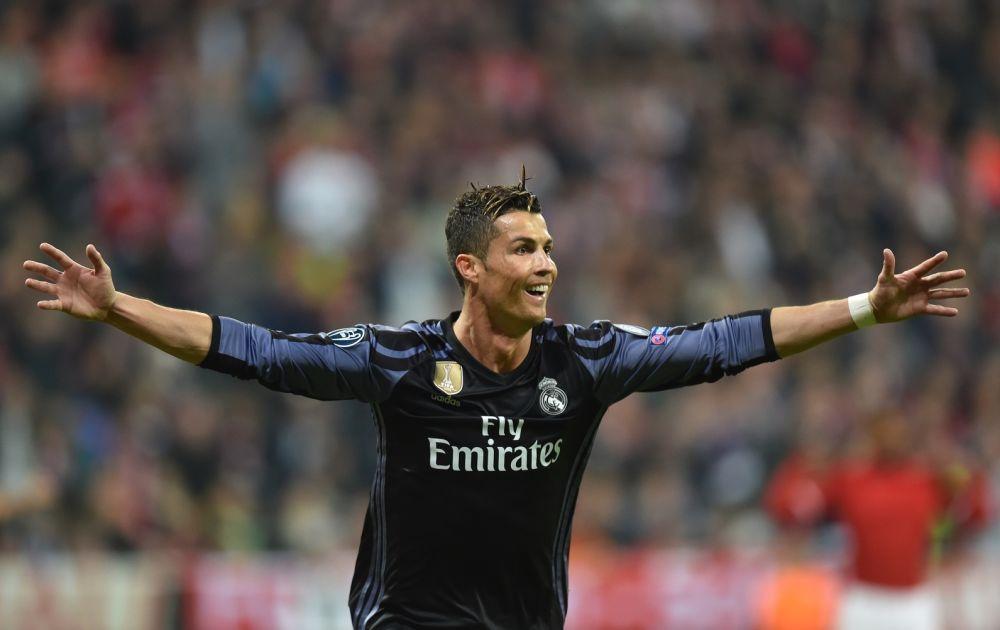 Ronaldo centenaire flamboyant, les malheurs de Vidal: le débrief de Bayern-Real Madrid
