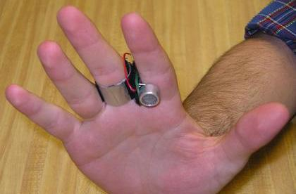 WPI students create wireless 3D ring mouse