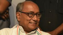 Digvijaya Singh's Self Goal: Youth Invited on Stage Lauds PM Modi on Surgical Strikes; Cong Red-faced