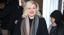 Kelly Clarkson Hints at Twins: I'll Be Everywhere Once 'I Get These Kids Popped Out and Done'
