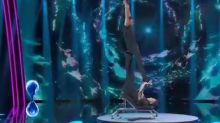 Tu si que Vales, acrobata cade sul palco durante l'esibizione