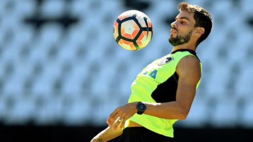 Com Pimpão em campo, Botafogo faz primeiro treino em Guayaquil-ECU