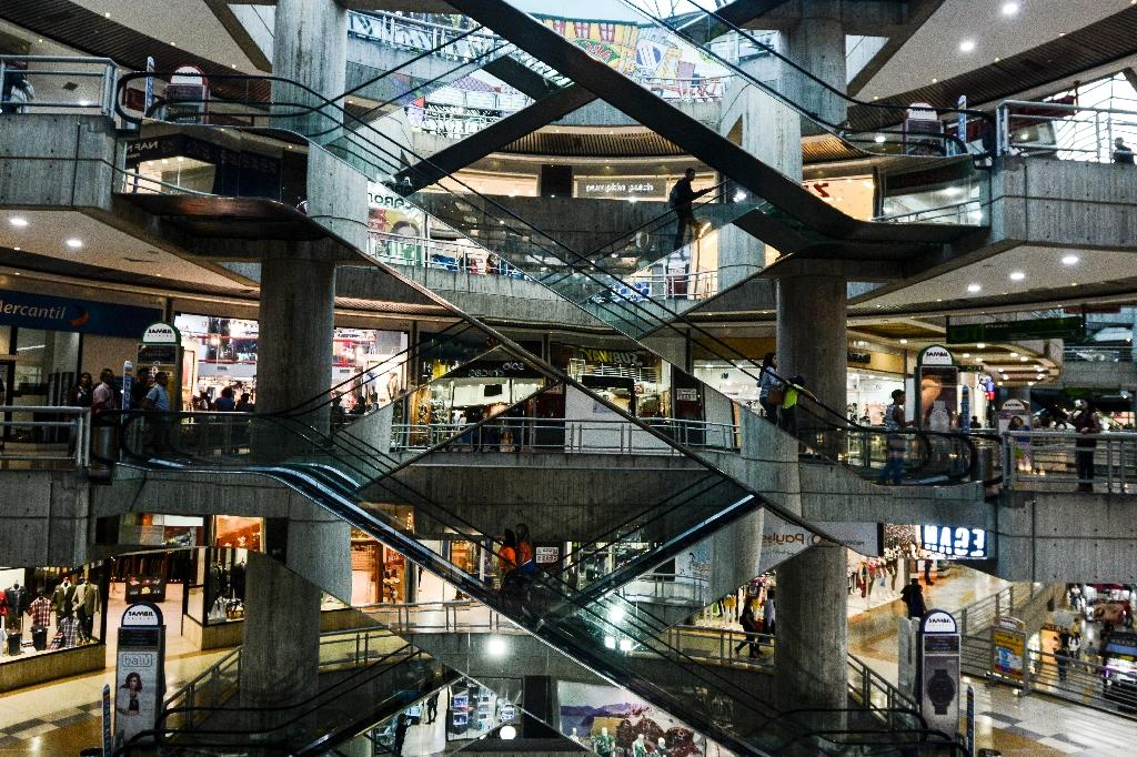 A luxury shopping mall in Caracas, Venezuela (AFP Photo/LUIS ROBAYO)