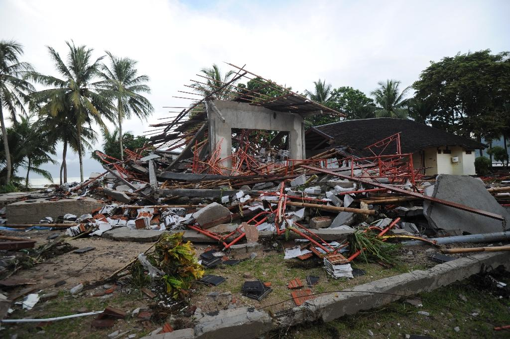 toll from indonesia tsunami rises to 281 disaster