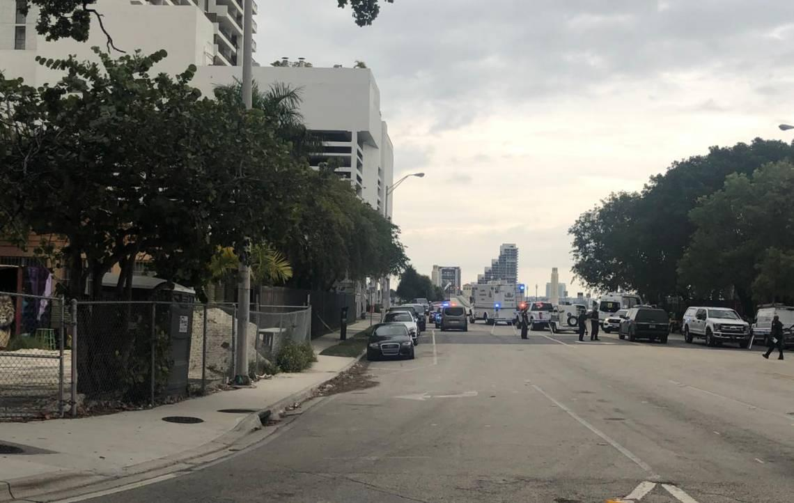 Man arrested in connection with Miami bomb scare that closed Venetian Causeway, airport