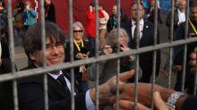 El Constitucional mantiene las órdenes de busca y de prisión para Puigdemont y Comín