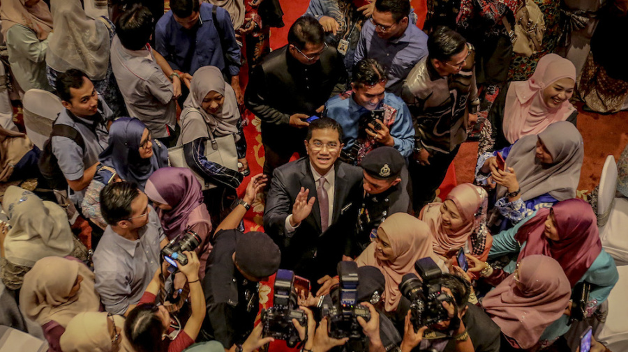 PM: Sex video scandal political ploy, no need for Azmin to go on leave