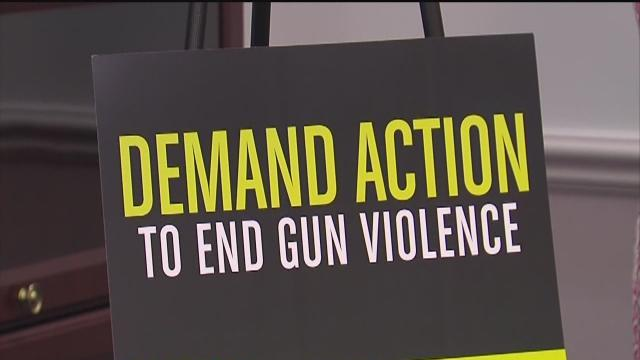 St. Pete Mayor takes stand against illegal guns
