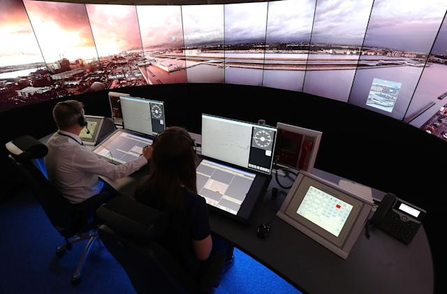 London airport to use 'digital' air traffic control tower