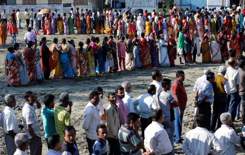 Ouverture des bureaux de vote en inde pour les législatives