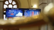 El IBEX 35 cede un 0,31 por ciento, hasta 10.326,9 puntos por la caída de la banca