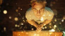 Suspense que traz Nicolas Prattes como serial killer fará estreia no Festival de Montreal