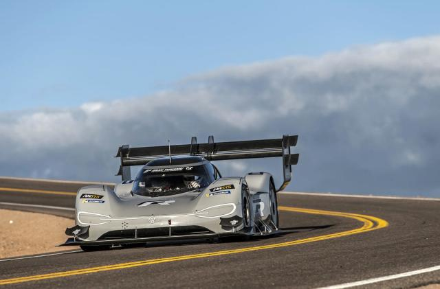 VW electric racer smashes Pikes Peak's overall record