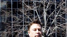 Elon Musk amenaza con sacar Tesla de California