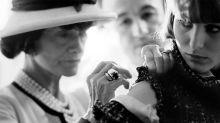 每顆珍珠、鈕扣都是極致藝術:從她的鏡頭窺看 Chanel Haute Couture 百年歷史 7 件事