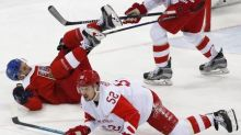 Ice hockey: Steely Russians top Czechs to reach final
