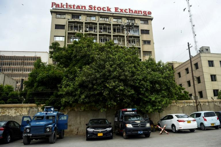 Deadly attack on Pakistan Stock Exchange building