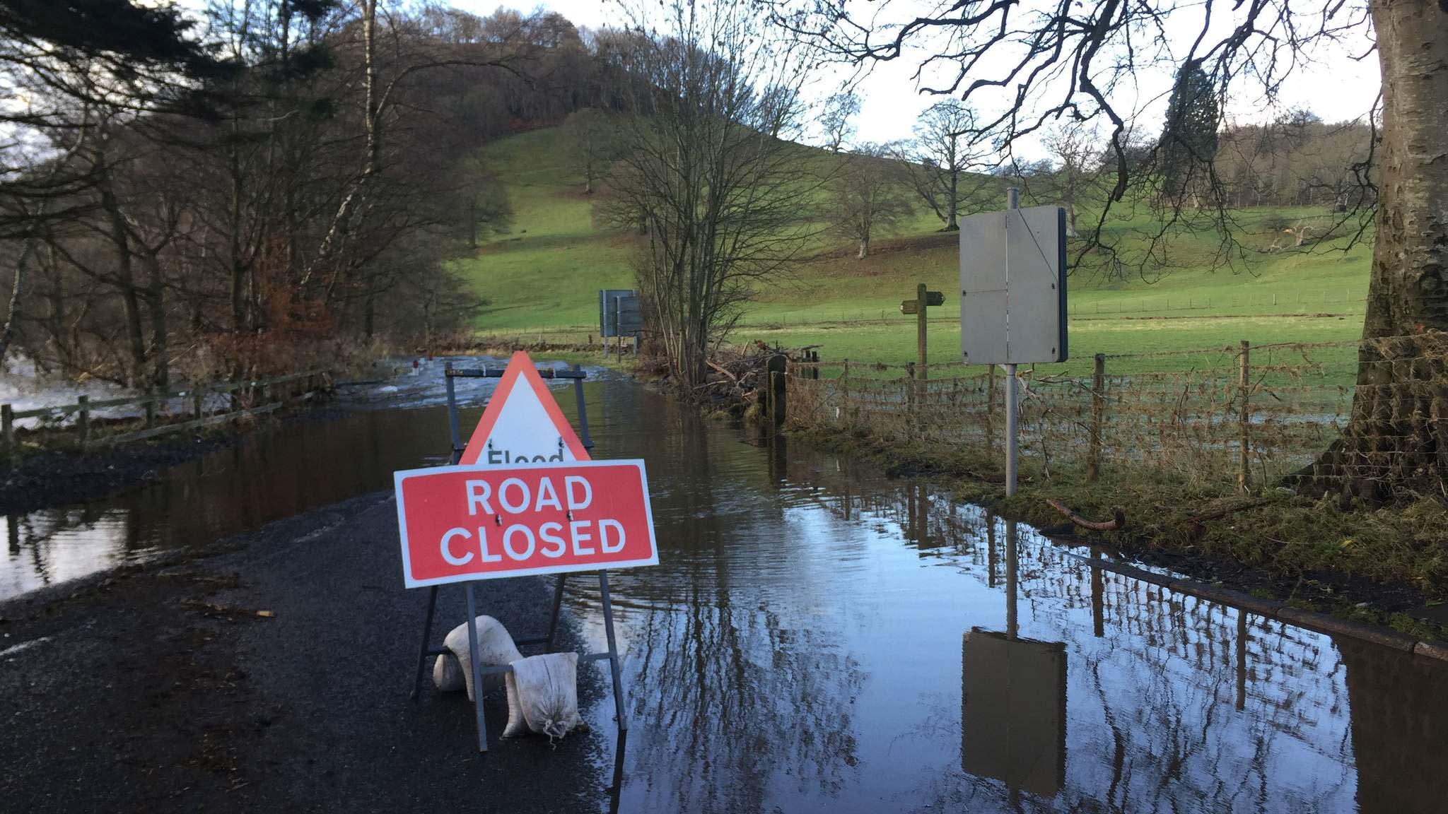 cumbria flood bride battles - HD1500×1062