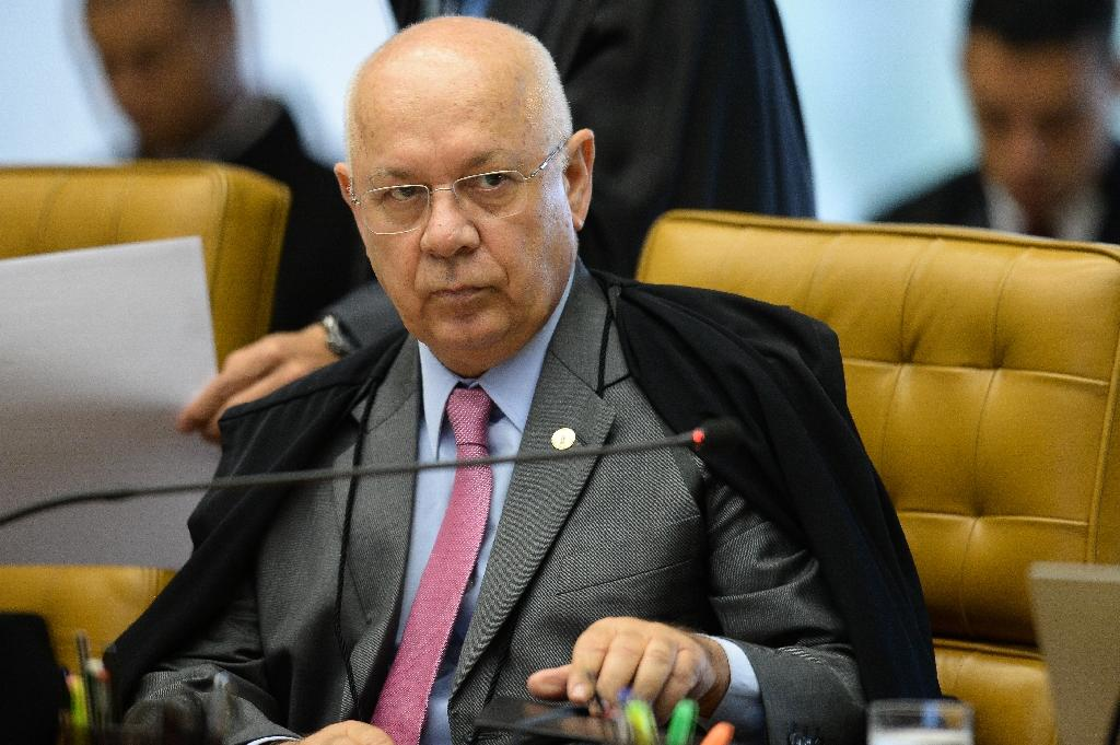 Brazil's Supreme Federal Court Minister Teori Zavascki had been working on compiling confessions of construction executives involved in the corruption scandal at state oil firm Petrobras