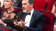 Primero Nicole Kidman y ahora Antonio Banderas… su peculiar forma de aplaudir