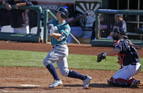 Tyler O'Neill, the Mariners No. 3 prospect, is headed to St. Louis. (AP)
